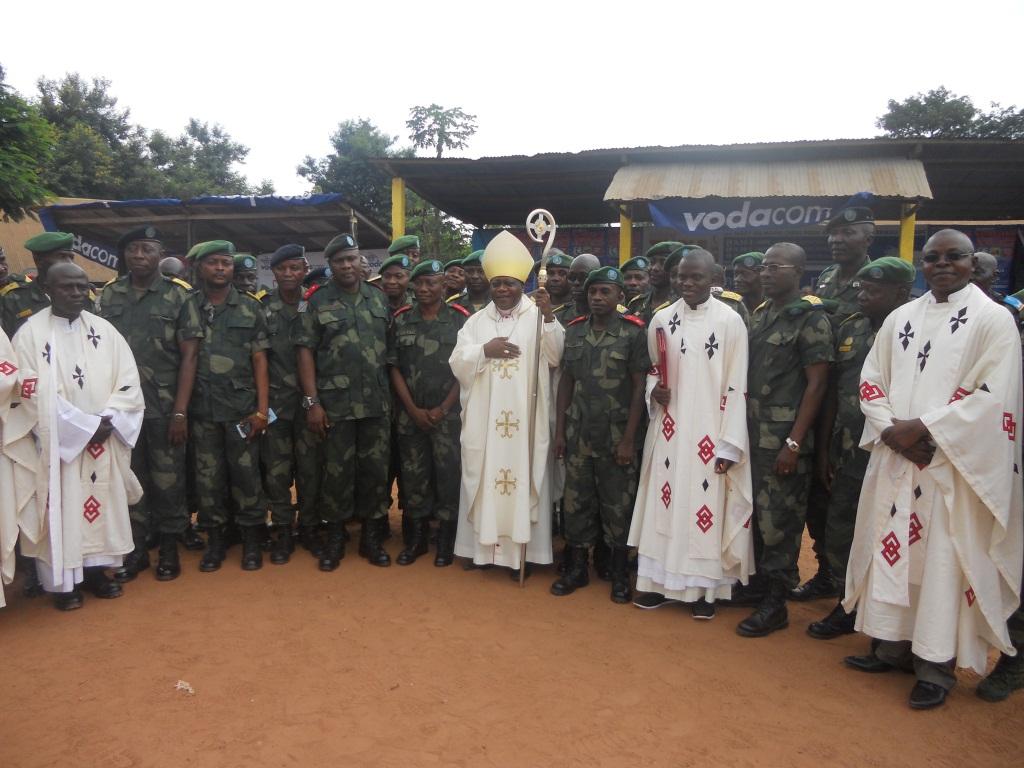 Messe de noel au camp Redjaf (84)