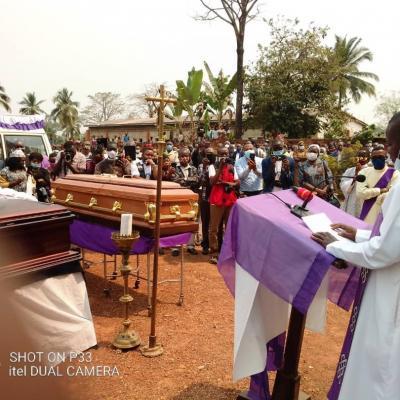 Obseques abbes mbwaki et dianzenza 11