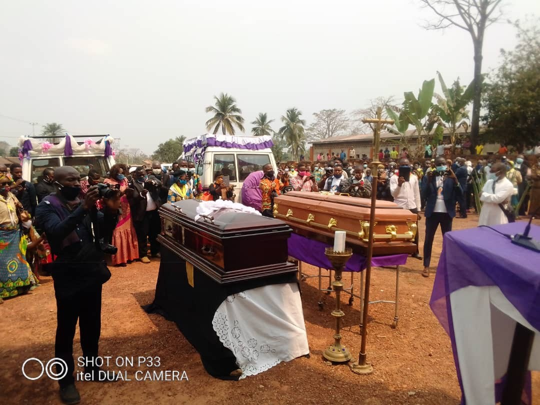 Obseques abbes mbwaki et dianzenza 7