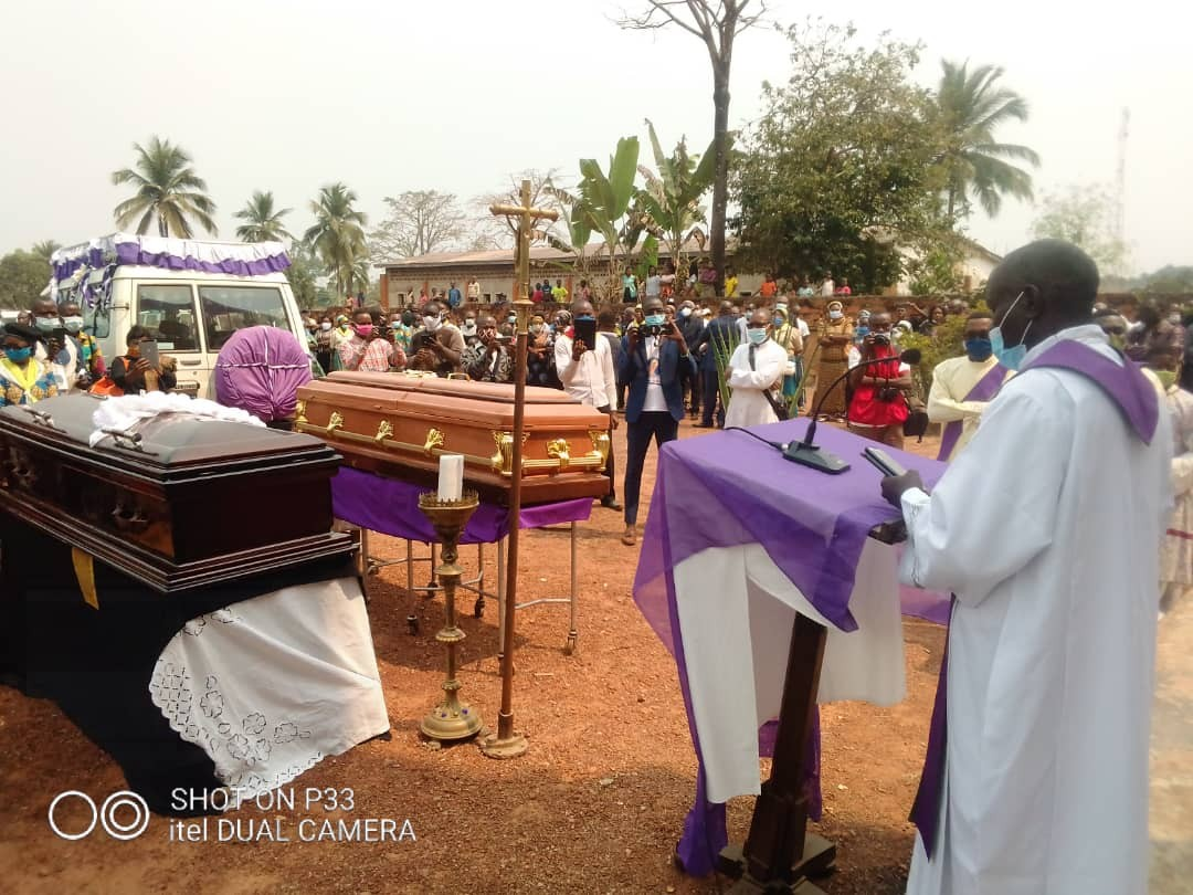Obseques abbes mbwaki et dianzenza 8