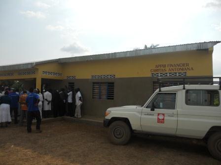 Ouverture du Centre de santé St Antoine à Loma (22)