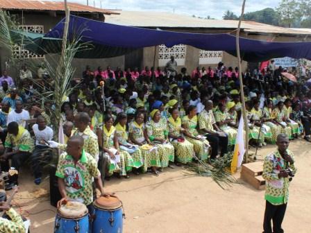 Rameaux des jeunes 2014 à Luozi (58)