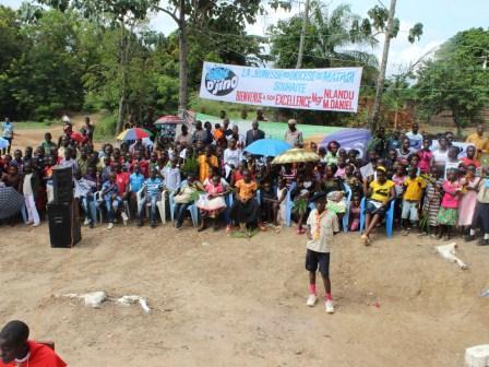 Rameaux des jeunes 2014 à Luozi (63)