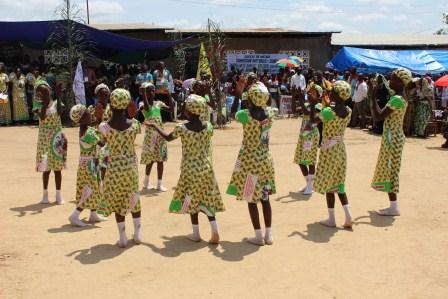 Rameaux des jeunes 2014 à Luozi (96)
