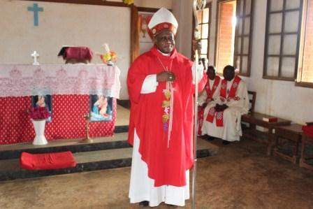 Visite canonique de Mgr Daniel Nlandu à Kibula (102)