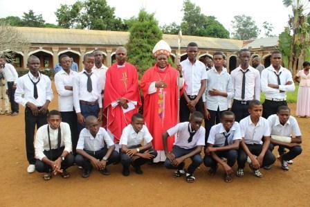 Visite canonique de Mgr Daniel Nlandu à Kibula (109)