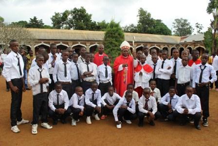 Visite canonique de Mgr Daniel Nlandu à Kibula (111)