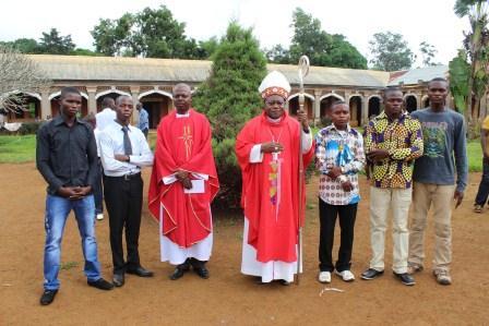 Visite canonique de Mgr Daniel Nlandu à Kibula (112)