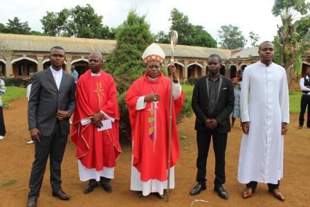 Visite canonique de Mgr Daniel Nlandu à Kibula (113)