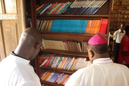 Visite canonique de Mgr Daniel Nlandu à Kibula (123)
