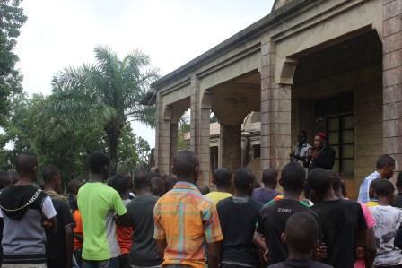 Visite canonique de Mgr Daniel Nlandu à Kibula (125)
