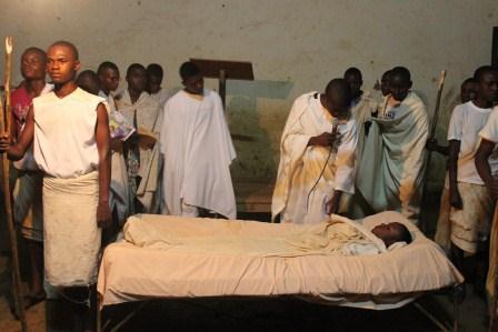 Visite canonique de Mgr Daniel Nlandu à Kibula (13)