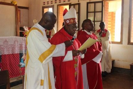 Visite canonique de Mgr Daniel Nlandu à Kibula (43)