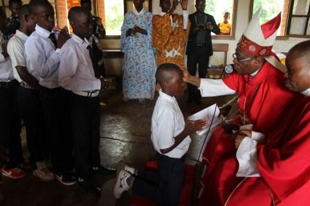 Visite canonique de Mgr Daniel Nlandu à Kibula (48)
