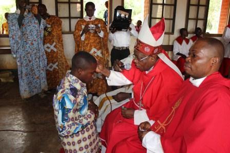 Visite canonique de Mgr Daniel Nlandu à Kibula (59)