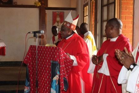 Visite canonique de Mgr Daniel Nlandu à Kibula (60)