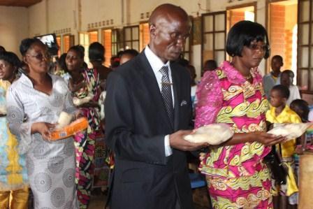 Visite canonique de Mgr Daniel Nlandu à Kibula (69)