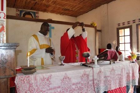 Visite canonique de Mgr Daniel Nlandu à Kibula (74)