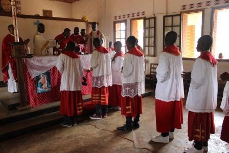 Visite canonique de Mgr Daniel Nlandu à Kibula (79)