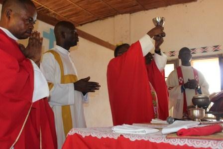 Visite canonique de Mgr Daniel Nlandu à Kibula (81)