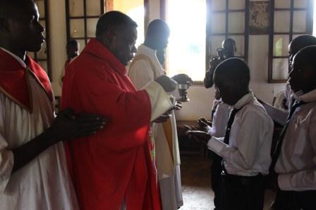 Visite canonique de Mgr Daniel Nlandu à Kibula (82)