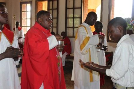 Visite canonique de Mgr Daniel Nlandu à Kibula (88)