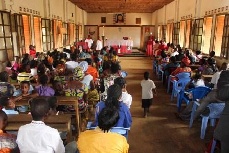 Visite canonique de Mgr Daniel Nlandu à Kibula (96)