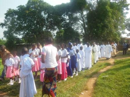 Visite de Mgr Daniel Nlandu à Mindouli (3)