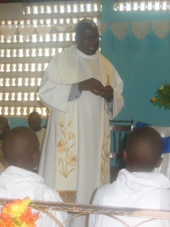 Visite de Mgr Daniel Nlandu à Mindouli (4)