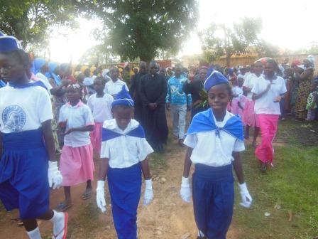 Visite de Mgr Daniel Nlandu à Mindouli