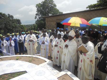 Visite pastorale de Mgr Daniel Nlandu à Christ-Roi (101)