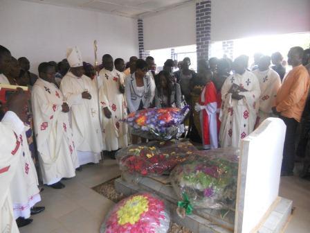 Visite pastorale de Mgr Daniel Nlandu à Christ-Roi (105)