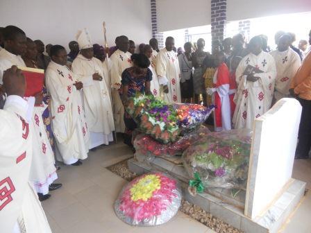 Visite pastorale de Mgr Daniel Nlandu à Christ-Roi (106)