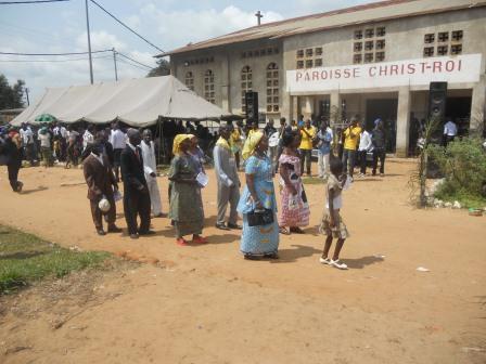 Visite pastorale de Mgr Daniel Nlandu à Christ-Roi (112)