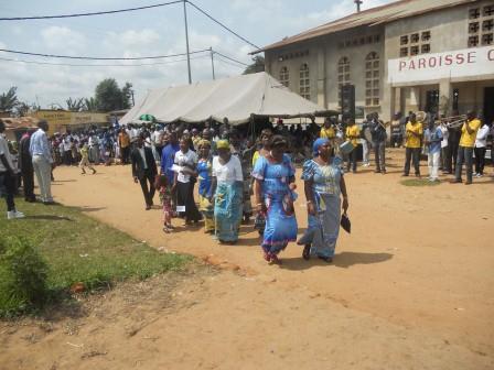 Visite pastorale de Mgr Daniel Nlandu à Christ-Roi (114)