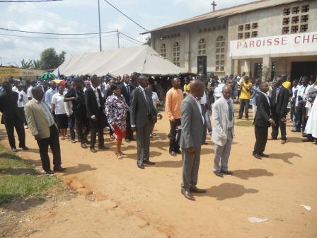 Visite pastorale de Mgr Daniel Nlandu à Christ-Roi (119)