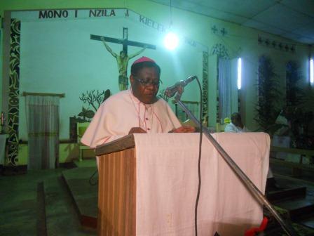 Visite pastorale de Mgr Daniel Nlandu à Christ-Roi (12)