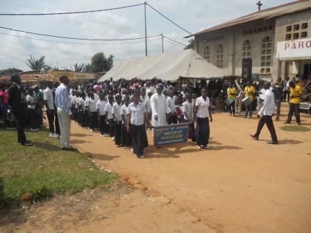 Visite pastorale de Mgr Daniel Nlandu à Christ-Roi (123)