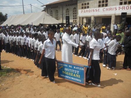 Visite pastorale de Mgr Daniel Nlandu à Christ-Roi (124)