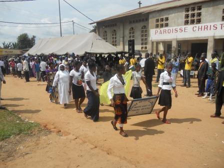 Visite pastorale de Mgr Daniel Nlandu à Christ-Roi (125)
