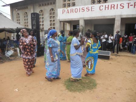 Visite pastorale de Mgr Daniel Nlandu à Christ-Roi (128)