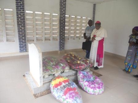 Visite pastorale de Mgr Daniel Nlandu à Christ-Roi (13)