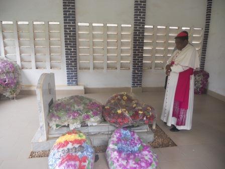 Visite pastorale de Mgr Daniel Nlandu à Christ-Roi (14)