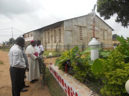 Visite pastorale de Mgr Daniel Nlandu à Christ-Roi (20)