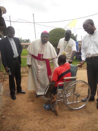 Visite pastorale de Mgr Daniel Nlandu à Christ-Roi (24)