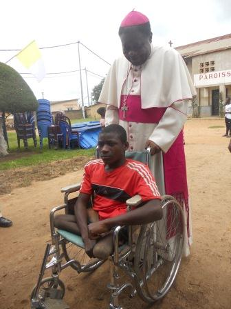 Visite pastorale de Mgr Daniel Nlandu à Christ-Roi (25)