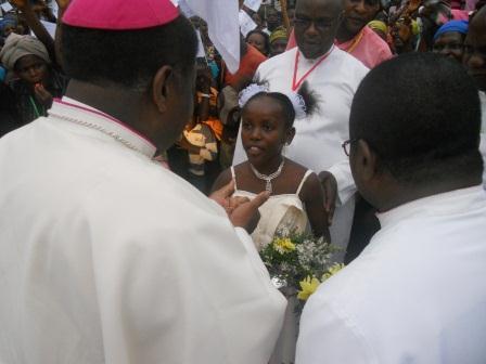 Visite pastorale de Mgr Daniel Nlandu à Christ-Roi (3)