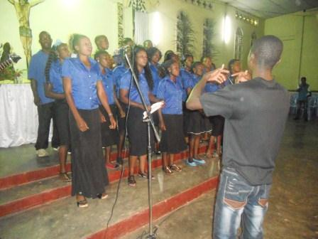 Visite pastorale de Mgr Daniel Nlandu à Christ-Roi (30)