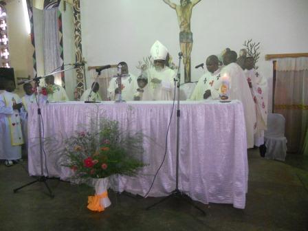 Visite pastorale de Mgr Daniel Nlandu à Christ-Roi (36)