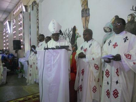 Visite pastorale de Mgr Daniel Nlandu à Christ-Roi (37)